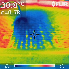 Dach nach Abkühlung mit Wasser